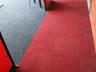 Spike Range Carpet Tile Kingston Grey with Claret
